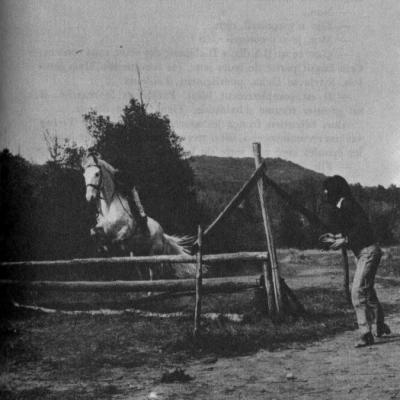 Sylvia devient le professeur d'équitation de Sébastien