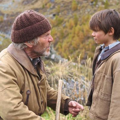 107) Il questionne l'enfant et commence à se douter de la vérité