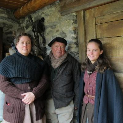 Nathalie Loquen, sa fille, Salomé et son oncle Claude, figurants