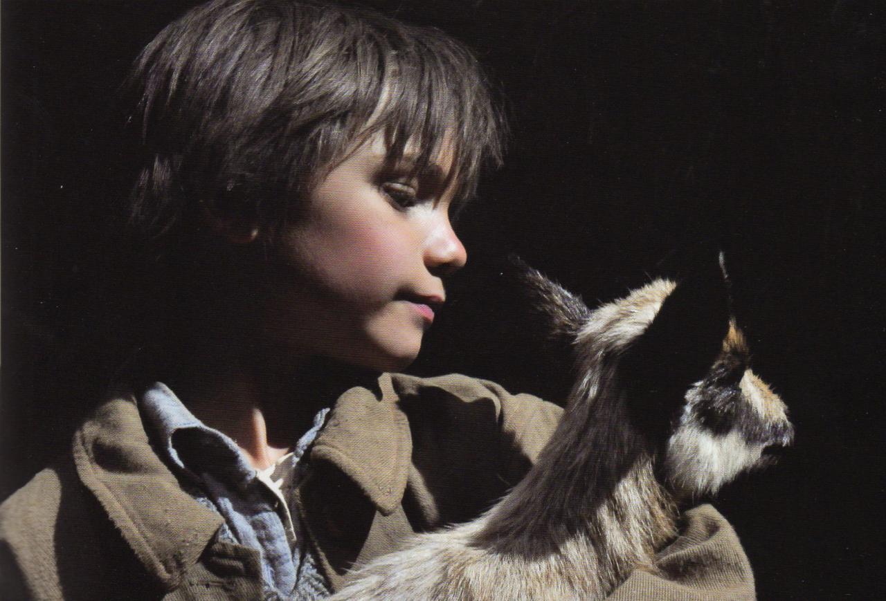 Sébastien et le cabri : l'enfant attendri par l'animal orphelin.