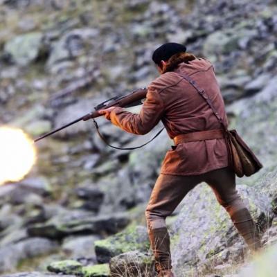 136) Mais Fabien, un chasseur, tire sur la chienne...