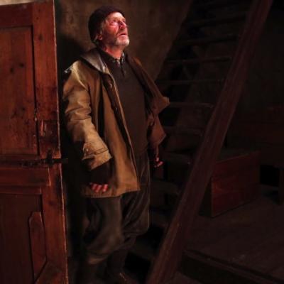 140) Au matin, César rentre au chalet ivre