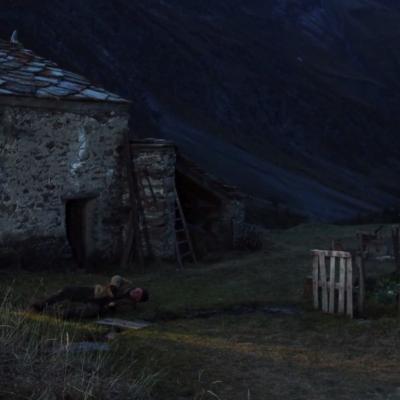 145) Puis l'enfant s'enfuie dans la montagne