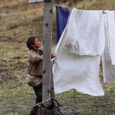 Puis des draps propre pour panser les plaies