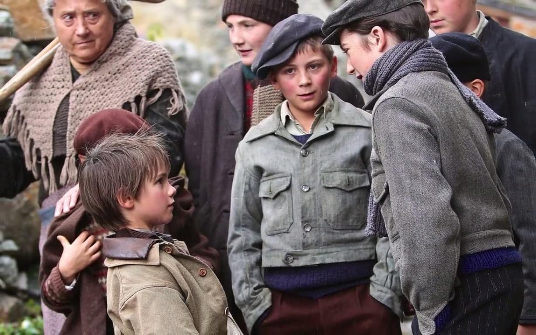 Les enfants du village se moquent de Sébastien