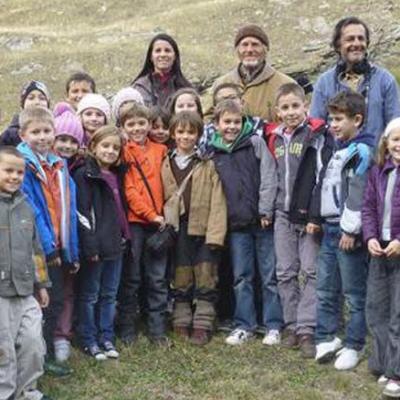 Les écoliers de Modane sur le tournage avec leur camarade Pierre