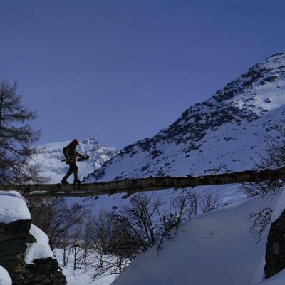 Sébastien sur le pont de bois