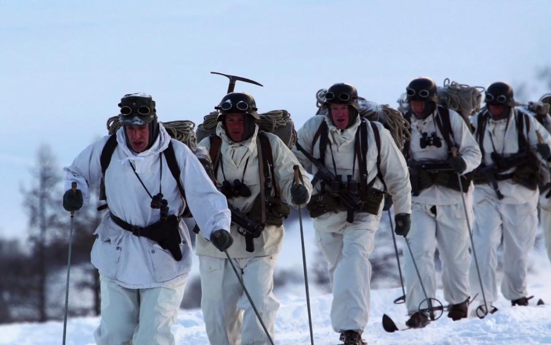 Toute la patrouille les prend en chasse