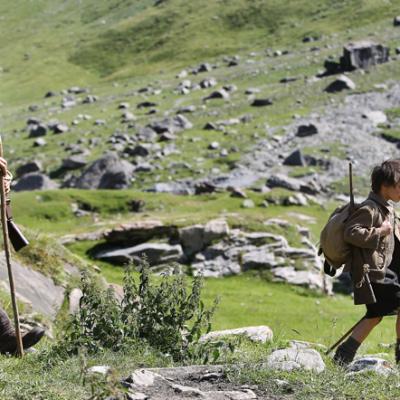 9) César et Sébastien parcourent ensemble les sentiers montagnards