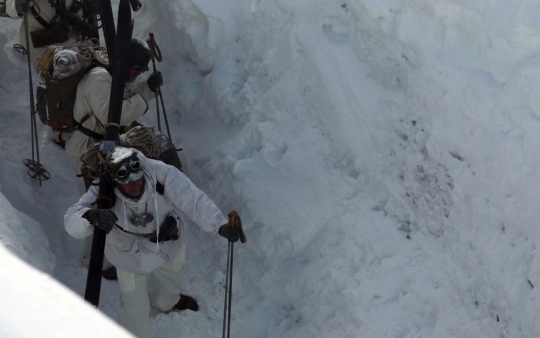 La colonne allemande est dans le glacier