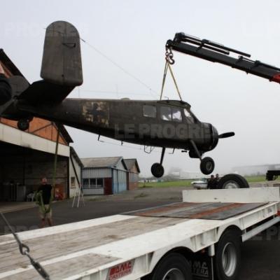 Un avion convoyé au Lac Genin pour le tournage...