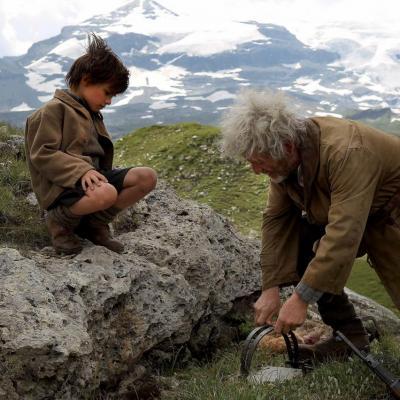 39) César pose des pièges pour capturer la Bête