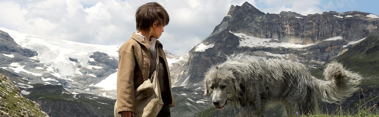 Sébastien parle au chien pour qu'il le suive