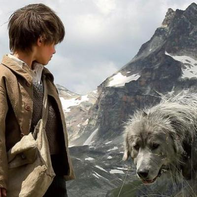 51) Sébastien parle au chien pour qu'il le suive