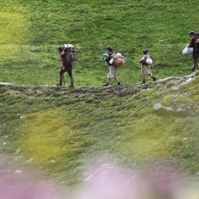 60) Guillaume guides des clandestins avec un bébé