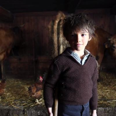 87) Sébastien a fini son travail à la bergerie