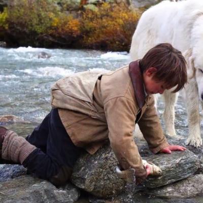 94) La pêche est une de leurs activités préférées