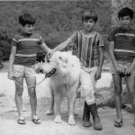 Mehdi avec Yalov et ses jeunes propriétaires