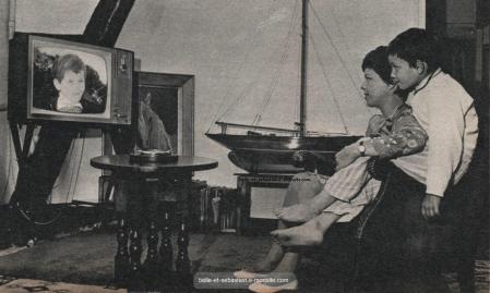 Mehdi et Cécile aubry regardent Belle et Sébastien