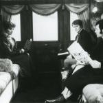 Francis Huster, André Dussolier et Beth Todd dans Première classe